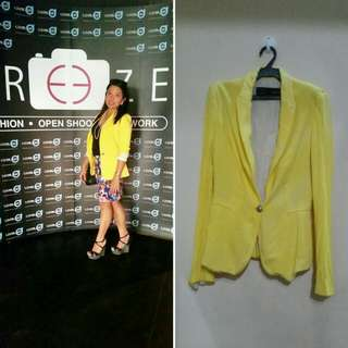 Zara Basic yellow corporate blazer