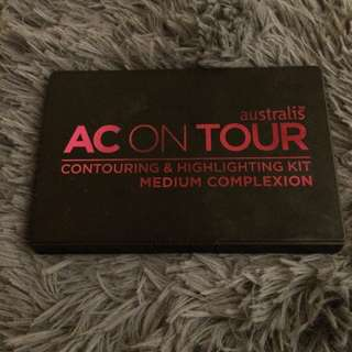 Australis AC on Tour Contouring & Highlighting