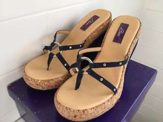 Baci Dark Blue Denim Platform Sandals / Women's Sz 8