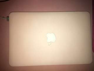[PRICE REDUCED] ‼️APPLE MacBook Air 11-Inch Early 2015 ‼️ LOW BATTERY CYCLE COUNT !!