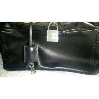 Shoulder bag with built in lock FREE SHIPPING FEE