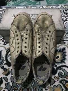 Sepatu Macbeth Special Edition