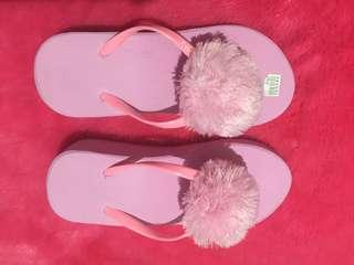 Sandal pompom pink