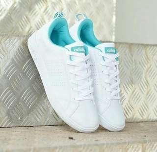 Sepatu adidas neo advanatec white