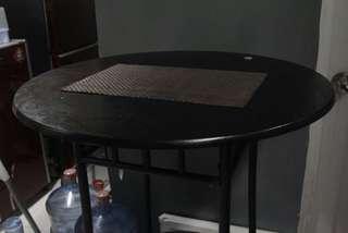 Meja & Kursi Makan Tinggi