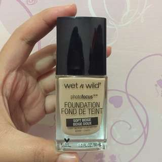 Wet n Wild Foundation Photofocus Soft Beige
