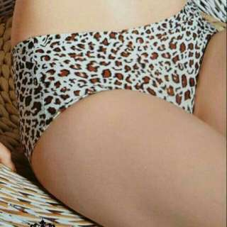 Seamless panty Stretchable  Triumph panty.. Small,medium,large,xl 6pcs-450 ✔looking for more active and loyal resellers ✔fast roi ✔earn 1500-3000 weekly..