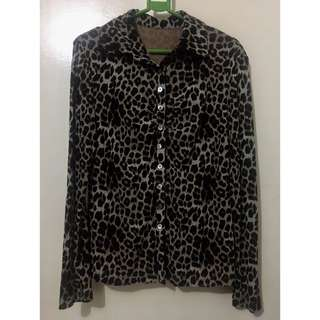 Stretchable Animal Print Blouse with Collar