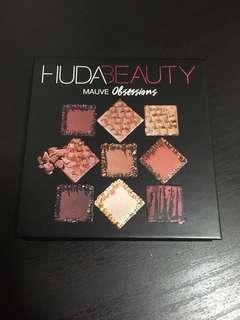Huda beauty eyeshadow mauve