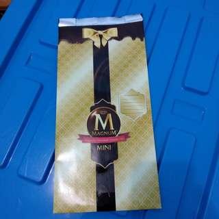 [Magnum] Plastic bag