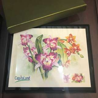 Lacquered inlaid box with orchids CapitaLand