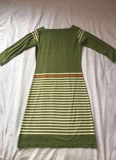 Long sleeve dress (w/ slight damage)