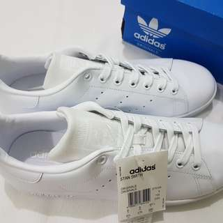 Brand New Authentic Adidas Stan Smith Triple White S75104