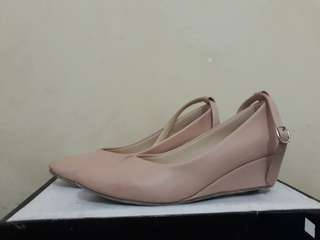 Wedges Nudes (Size 37)