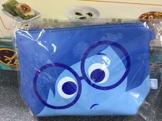 Disney Pixar Inside out sadness 化妝袋 斜揹袋 阿愁