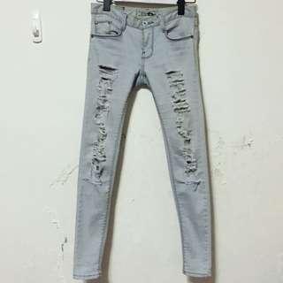 韓國購入淺色破褲 激瘦