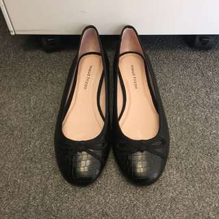 Maud Frizon shoes size 37.5 in black