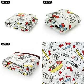 日本進口,日本 Sanrio Hello Kitty picnic blanket  加厚三層構造防水 輕便座墊 / 沙灘墊野餐墊附收納袋