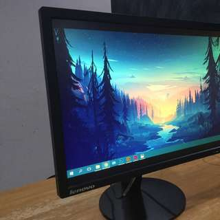 Lenovo 22-inch LED Backlit LCD Monitor (SUPER GOOD CONDITION)