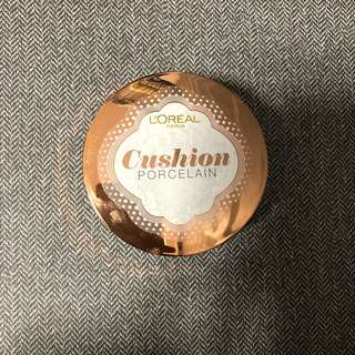 L'Oréal Lucent Magique Cushion Porcelain
