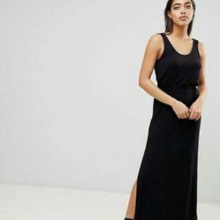 Open-Back Maxi Black Dress with Slit