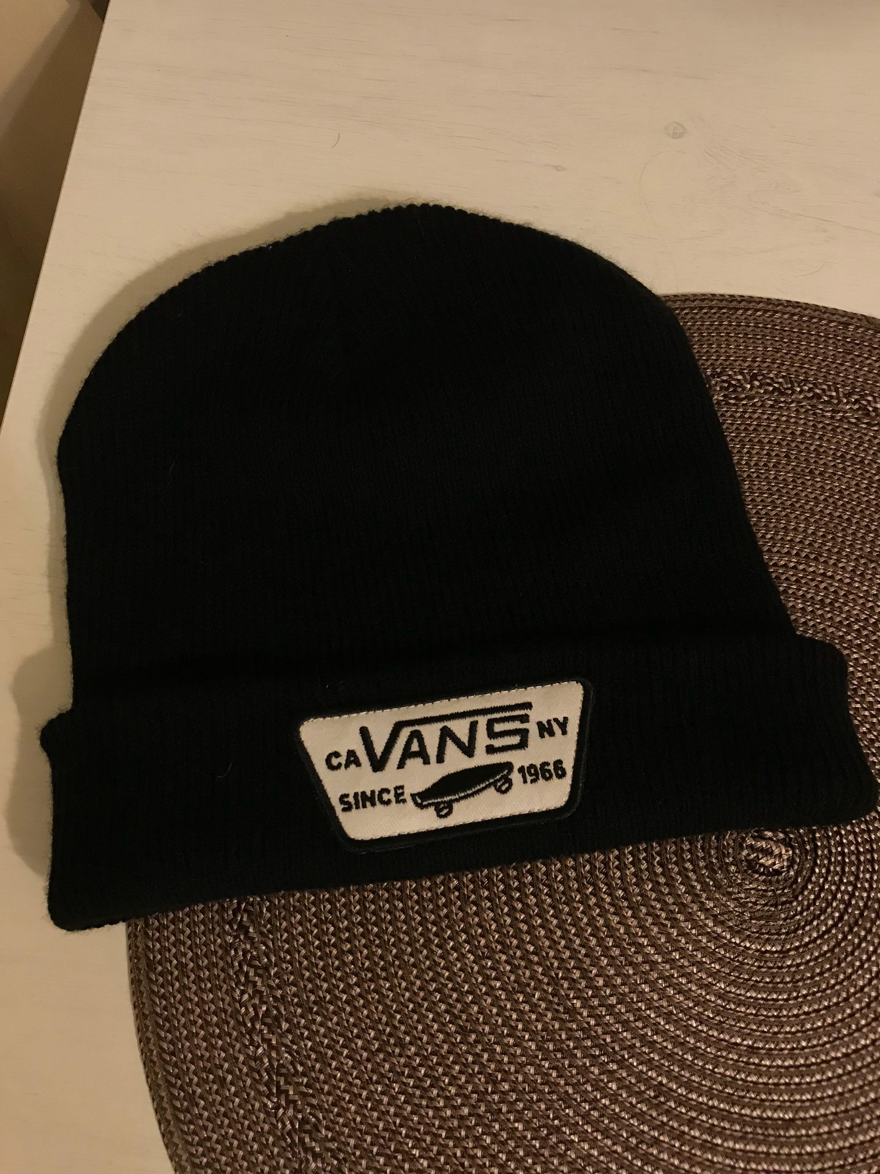 Authentic Vans black beanie 45c534044f1