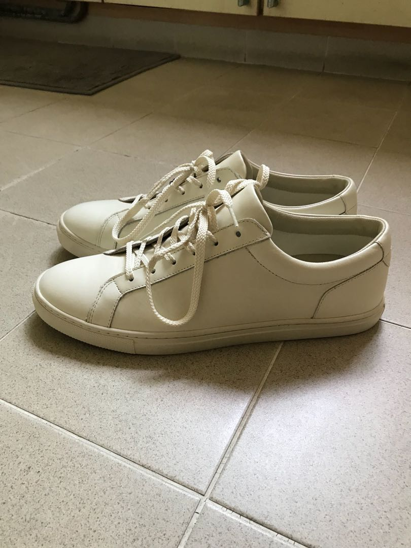 buy popular d2025 2acdc BNIB White Shoes Massimo Dutti, Men s Fashion, Footwear, Sneakers on ...