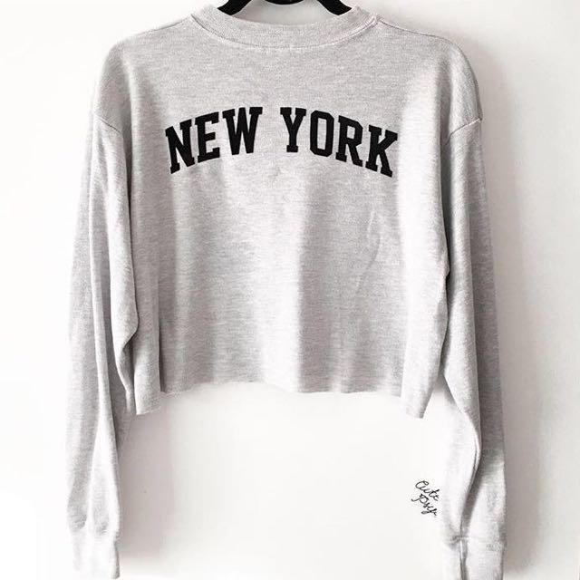 Brandy Melville Cropped New York Sweater Womens Fashion Clothes