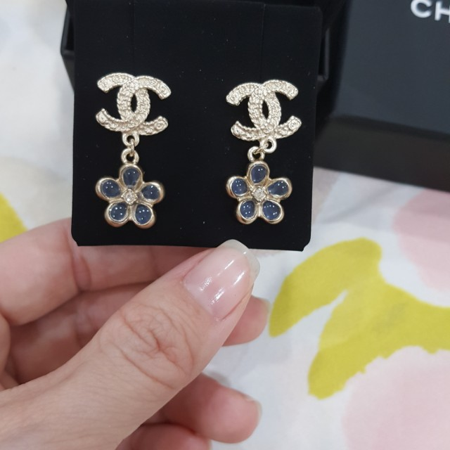 Chanel Earrings And Necklace Set Women S Fashion Accessories On Carou