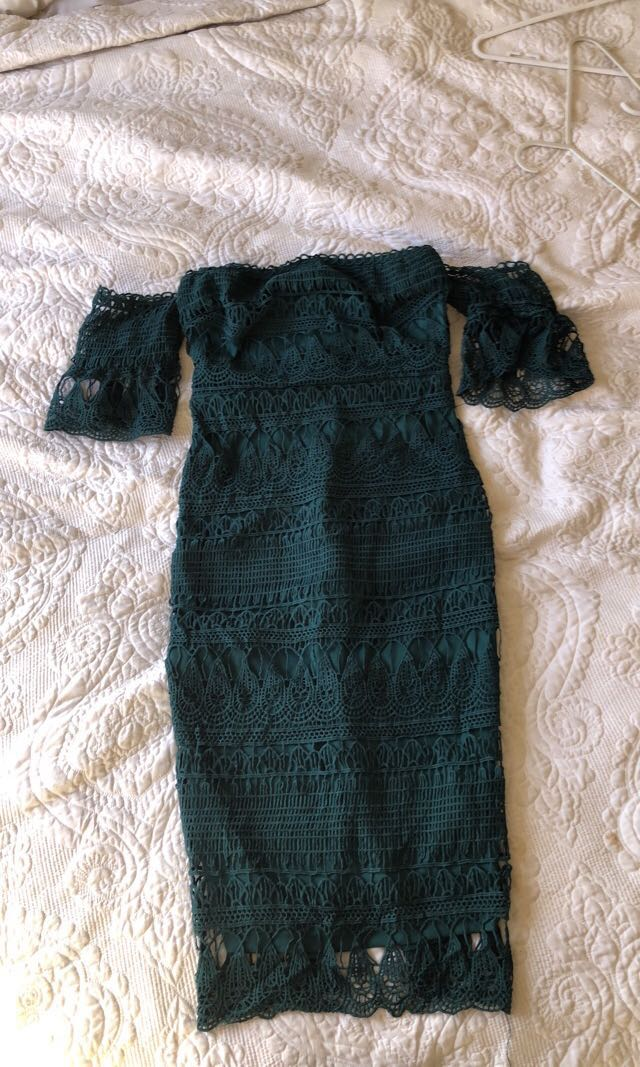 ✨Emerald green lace dress 👗