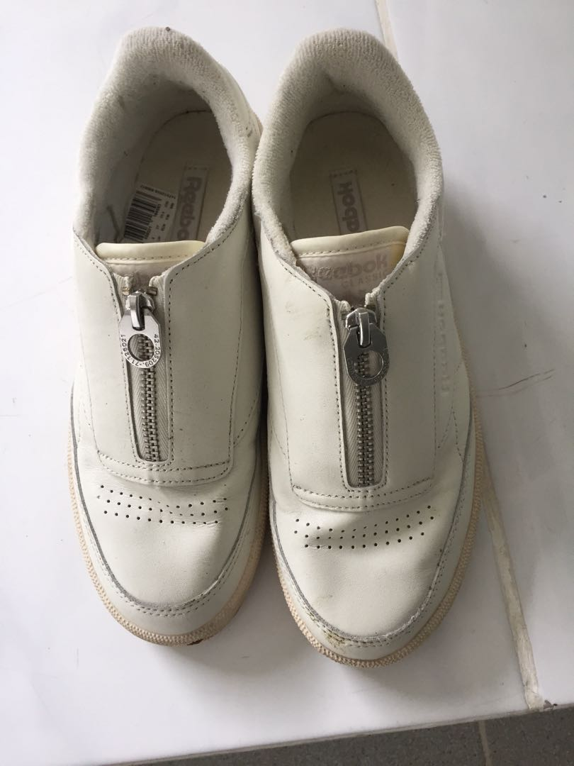 Reebok Classic Sneakers Shoes Fesyen Wanita Sepatu Di Carousell