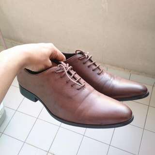 Zalora Brown Laceup Shoe EU 43