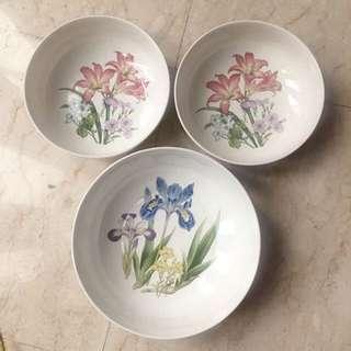 Noritake serving bowls