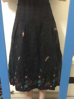 古著繡花裙