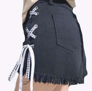Shoes lace rip shorts