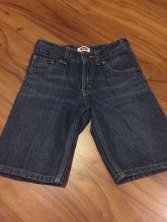 Levis celana pendek 7thn