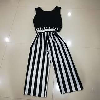 2 piece Set Top with High Waisted Pants