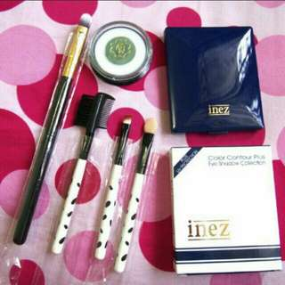 Inez Eyeshadow + Brush