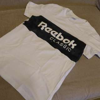 Reebok T -shirt (M碼 不是 nike ,adidas ,osprey )