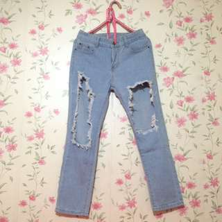 Distressed pants