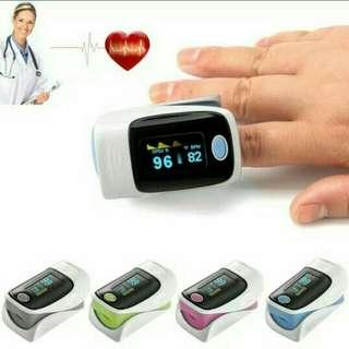 Alat ukur detak jantung pulse oximeter