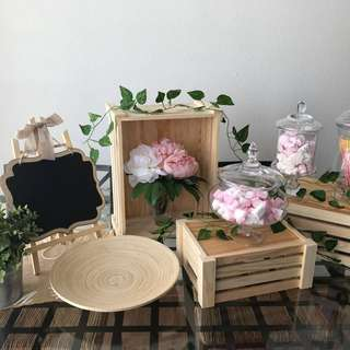 {RENT} Rustic Themed Dessert Table