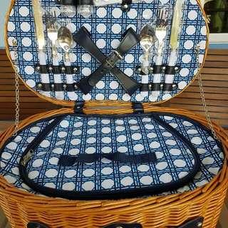 Rattan vintage picnic basket
