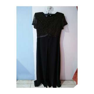 Dress pesta warna hitam