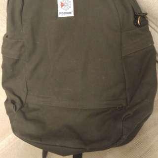 Reebok backpack 背包
