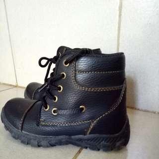 Boots Anak