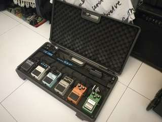 Boss BCB-60 pedal board w/ 6 effects pedals