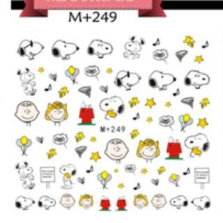 4 designs available! Snoopy nail art / decal
