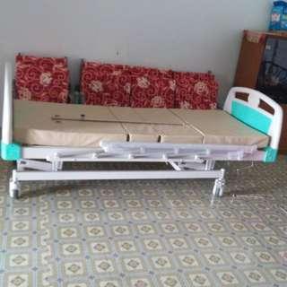 Hospital bed single fowler