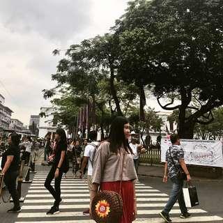 Abaca Batik round bag